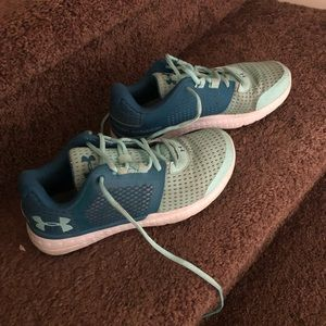 Youth girl Under Armour shoes